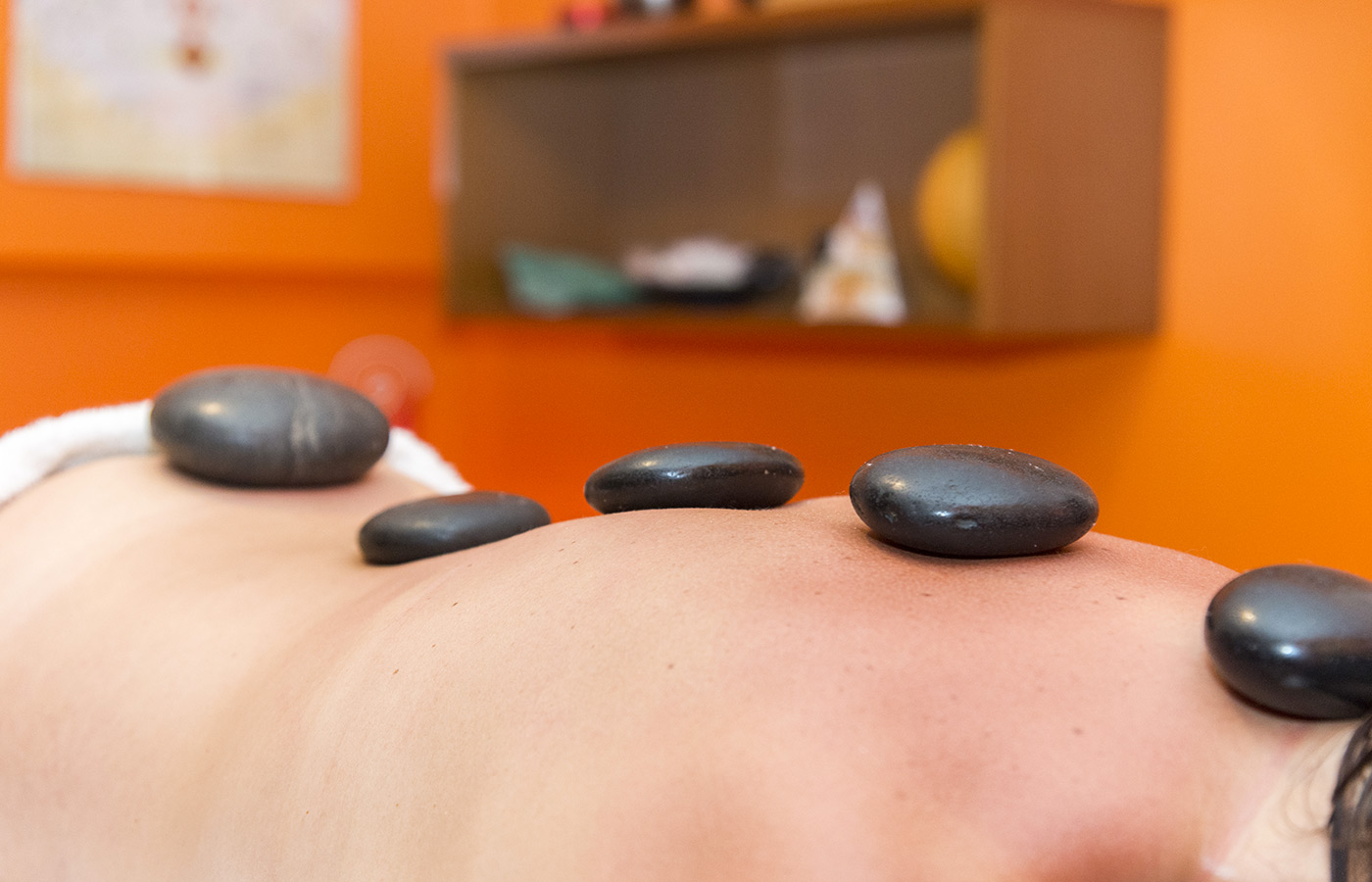 Hot stone Massage im Hotel Alpino